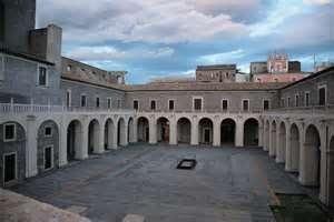 Mostra Teatro Clandestino dell' artista. Luciana Picchiello aperta al pubblico