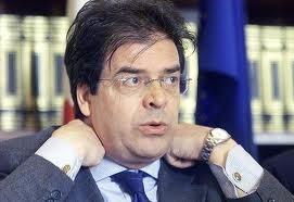 «Enzo Bianco non può fare il sindaco». Candidato presenta ricorso al Tar