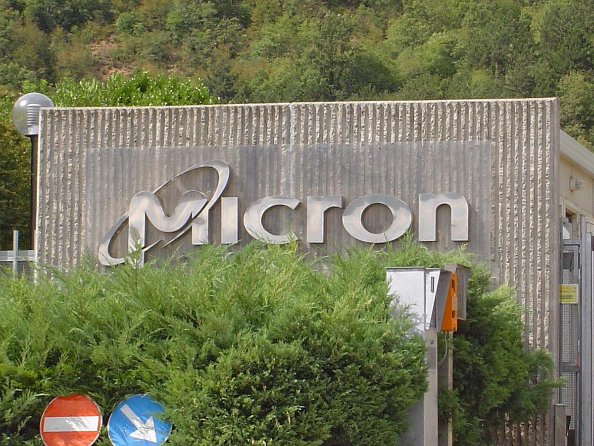 Micron, storia di una crisi annunciata. La Multinazionale annuncia la mobilità